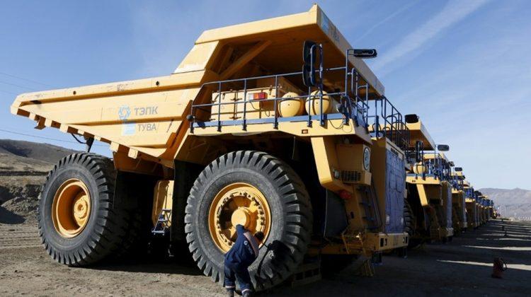 Tuva Cumhuriyeti'ndeki Ulug Hem Maden İşletmesine ait damperli kamyonlar.