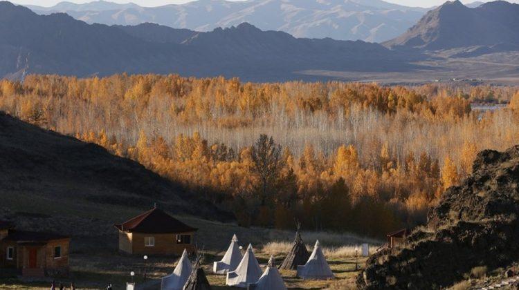 Tuva Cumhuriyeti'ndeki Altın Bulak Etnik Kültür ve Sanat Kompleksi.